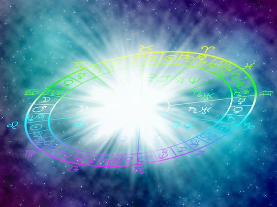 Финансовый гороскоп на май 2021